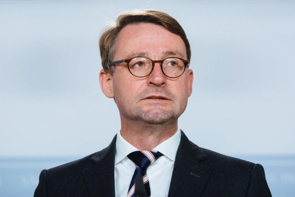 Nachwuchssorgen: Sachsens Innenminister Roland Wöller (48, CDU) findet immer schwerer gute Polizeianwärter.