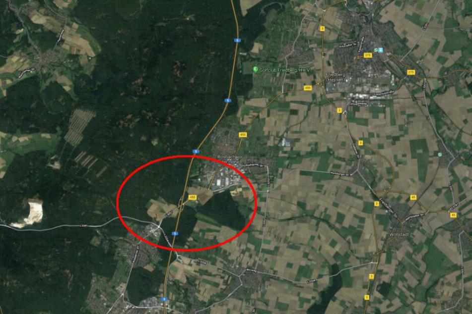 Der Massen-Unfall passierte kurz hinter der Ausfahrt Friedberg in Fahrtrichtung Frankfurt.