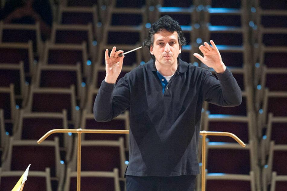 ChefdirigentMichael Sanderling verlässt bereits 2019 die Dresdner Philharmonie.