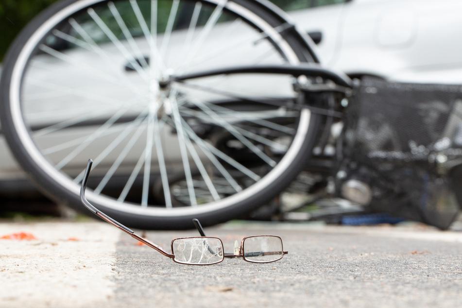 Tödlicher Unfall: Radler (†47) wird von Lkw-Anhänger überrollt