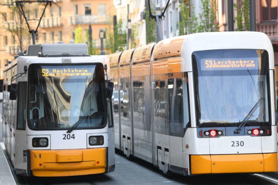 Zwei Fahrgäste wurden leicht verletzt (Symbolfoto).