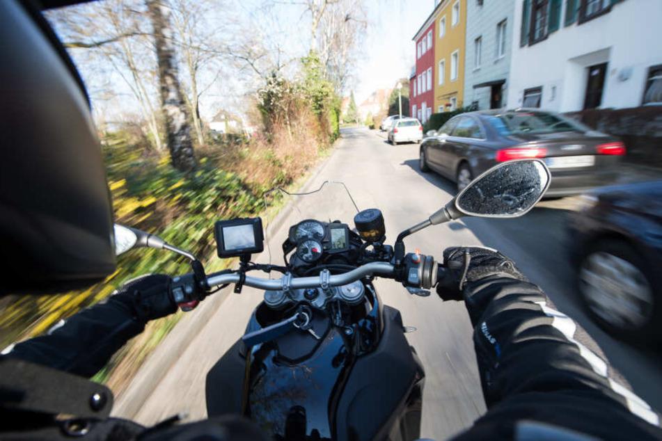 Zwei Motorradfahrer gaben in Mittelfranken mehr Gas als nötig und flüchtetet anschließend vor der Polizei. (Symbolbild)