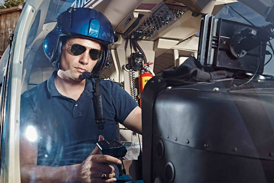 Schatzsuche im 21. Jahrhundert: Vom Hubschrauber aus kann man größere Lagerstätten von Metallen und anderen Rohstoffen identifizieren.