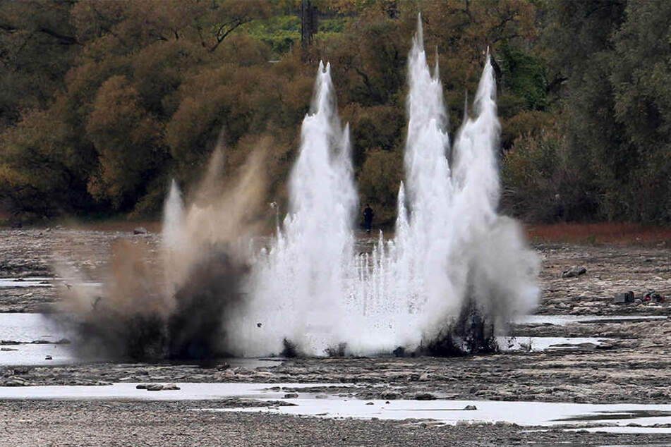 Bei Vallendar nahe Koblenz sind vier Nebelbomben kontrolliert gesprengt worden.