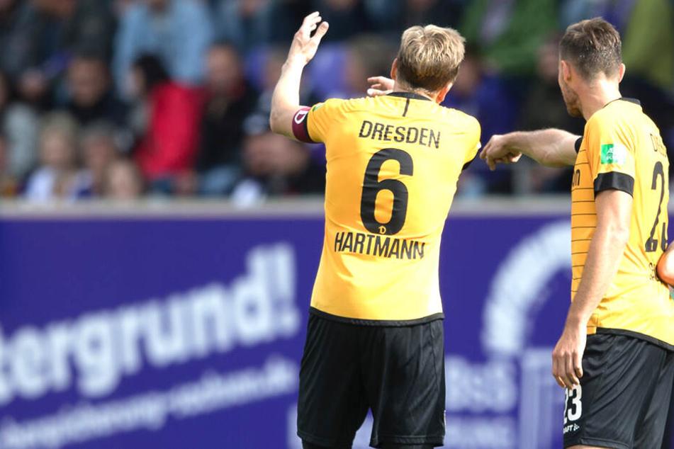 Viel Gesprächsbedarf hatten Marco Hartmann und Florian Ballas in Aue. Dort bekam Dynamo vier Gegentore.