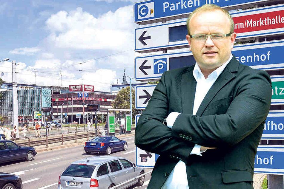 AfD-Stadtrat Falk Müller (40) findet es blamabel, dass Chemnitz das defekte Parktleitsystem nicht ersetzen will.