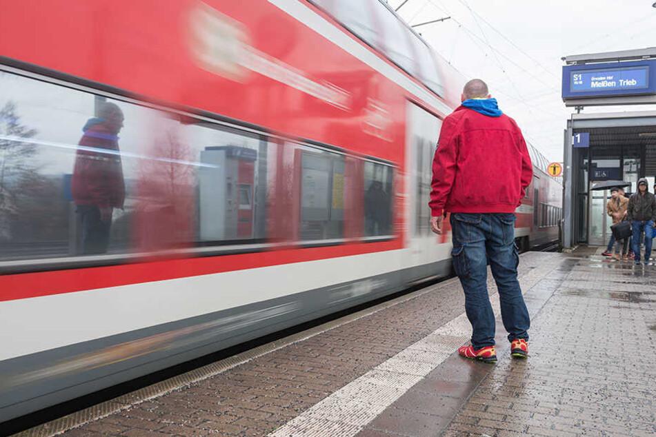Im März wurde er auf die Gleise am Bahnhof Zschachwitz gestoßen. René J. (41) akzeptiert das verhängte Urteil gegen seine Peiniger nicht.
