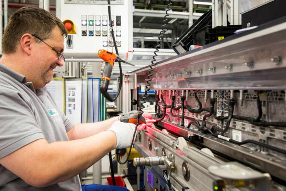Daimler investiert 500 Millionen Euro in den Bau einer neuen Batteriefabrik seiner TochterAccumotivein Kamenz.