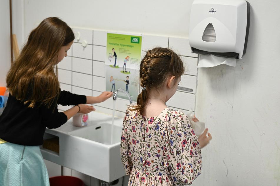 Die richtige Hygiene bleibt nach wie vor ein wichtiges Mittel im Kampf gegen COVID-19.