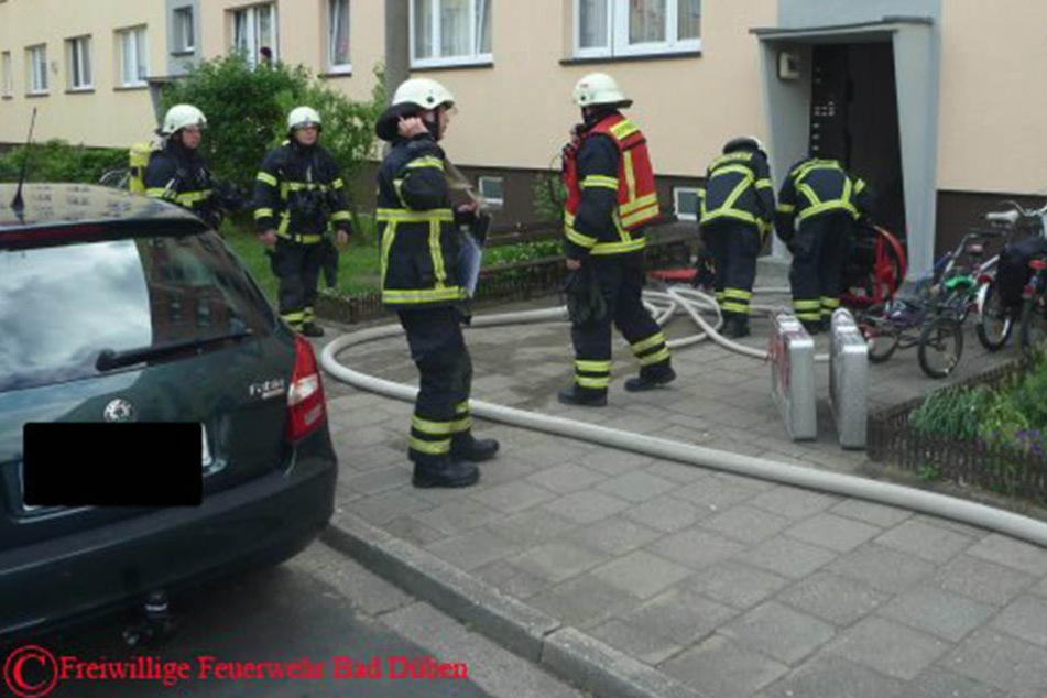 Die Feuerwehr Bad Düben musste am Freitagnachmittag einen Kellerbrand löschen.