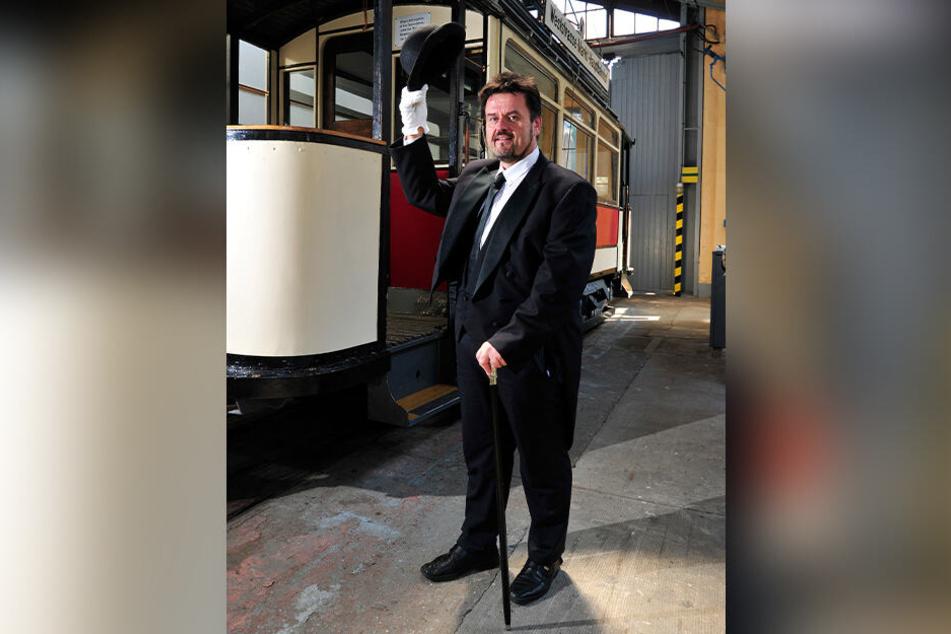 CVAG-Geschäftsführer Jens Meiwald (56) schlüpft in die Rolle des ersten Straßenbahn-Unternehmers von Chemnitz.