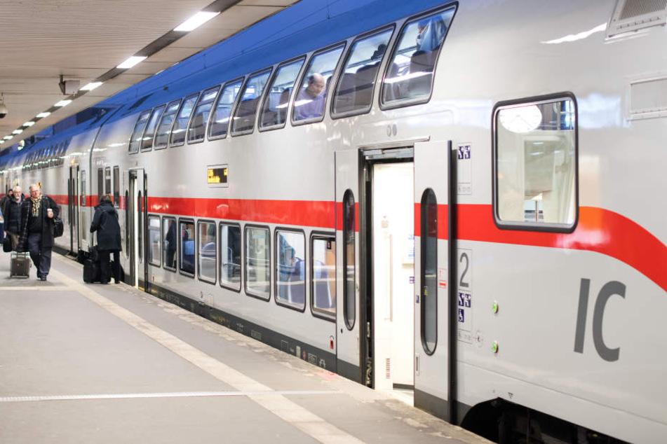 Bahnreisende müssen sich diesen Sommer auf Umleitungen, Zugausfälle und Verspätungen einstellen.