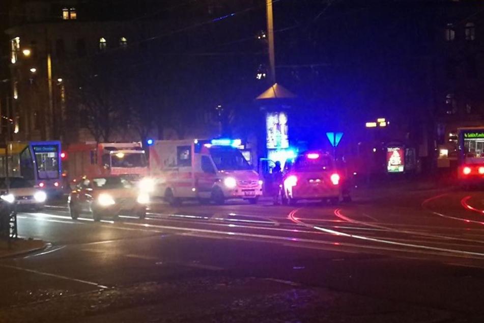 Der Rettungseinsatz am Leipziger Waldplatz sorgte am Samstagabend für Verspätungen einiger Trams.