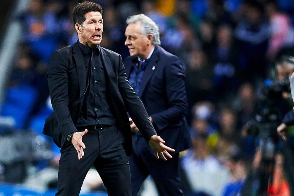 Atletico Madrids Trainer Diego Simeone ist bekannt für seine provozierende Art. Manchmal schlägt der Argentinier auch über die Stränge.