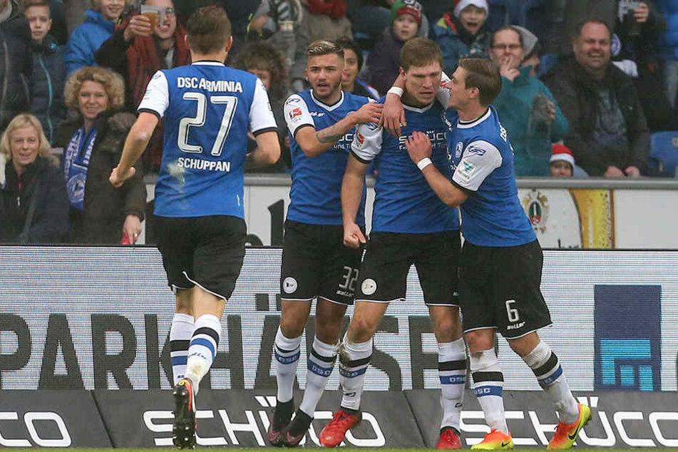 Zwischenzeitlich durften sich die Arminien über den 1:1-Ausgleichstreffer von Fabian Klos freuen.