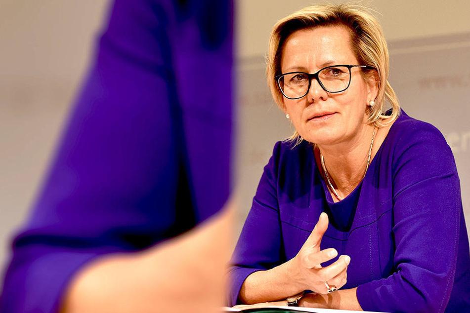 Sozialministerin Barbara Klepsch (53, CDU) appelliert an die Eltern, möglichst viel und gut mit dem Nachwuchs zu sprechen.