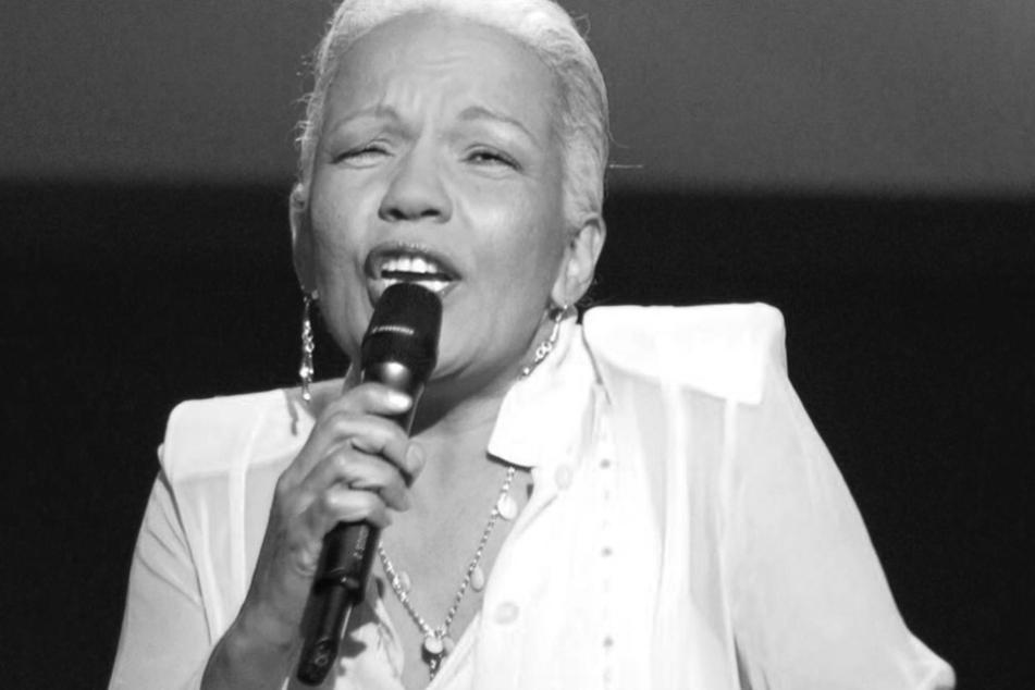 Die Lambada-Sängerin war am Donnerstag tot in ihrem verbrannten Wagen aufgefunden werden.