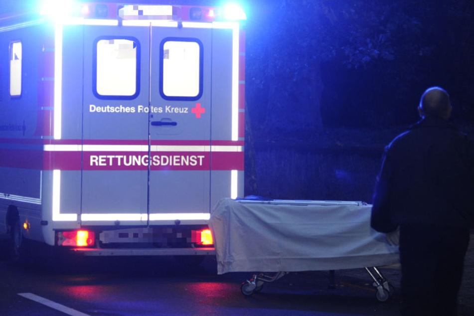 Eine Pflegekraft fand die beiden Leichen. (Symbolbild)