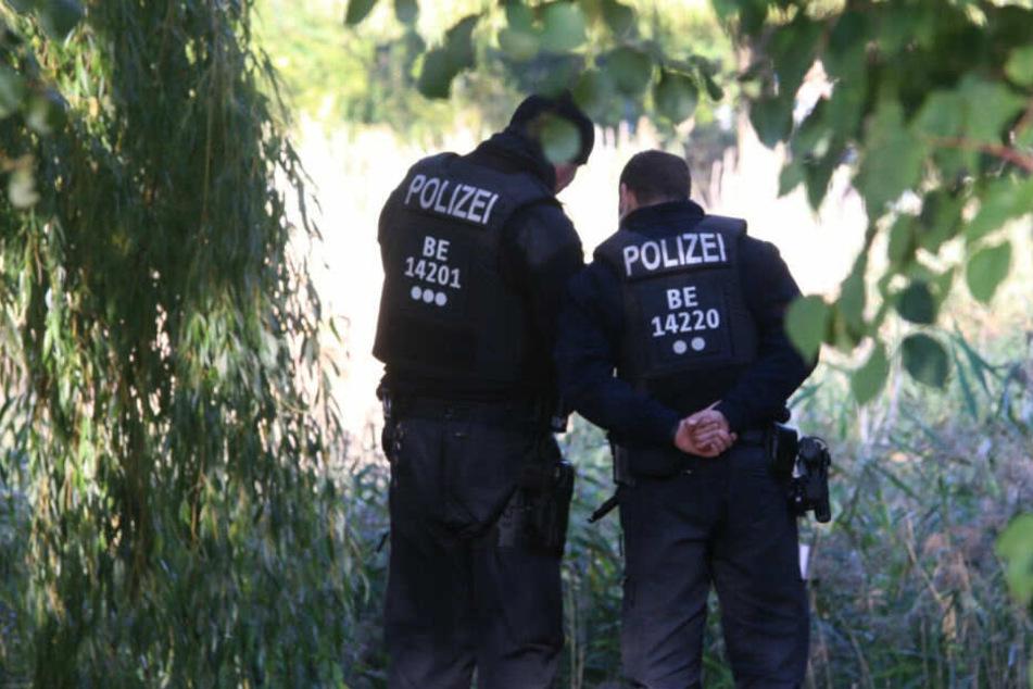 Schrecklicher Verdacht nach Baby-Leiche an Teich-Ufer: Spur führt zu Teenie-Mutter (16)