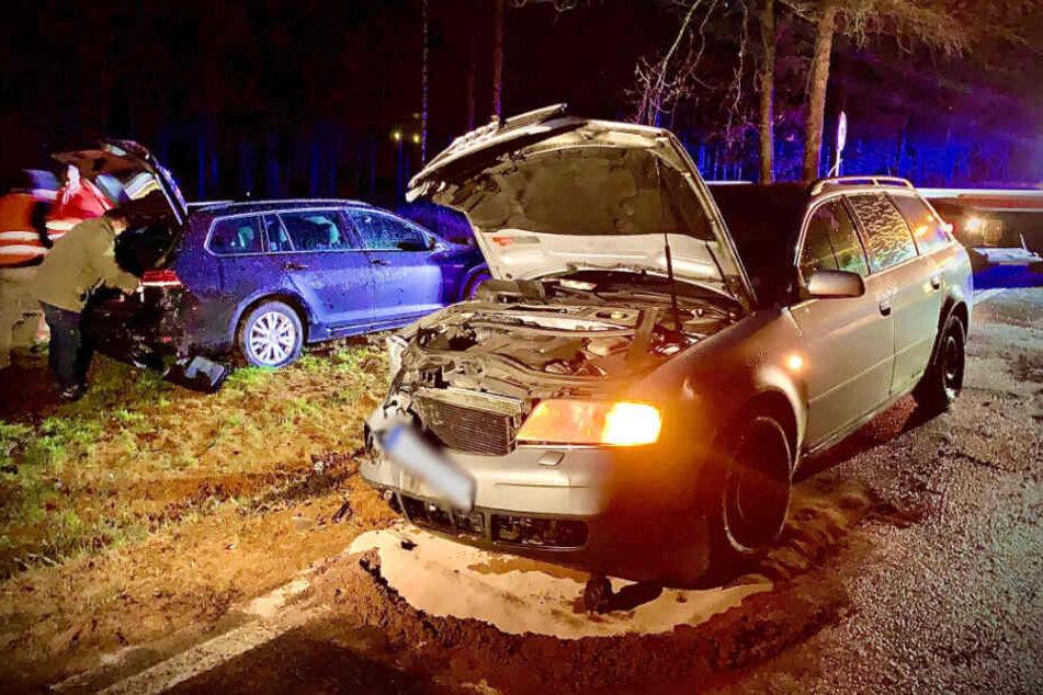 Der Audi musste nach dem Unfall abgeschleppt werden.