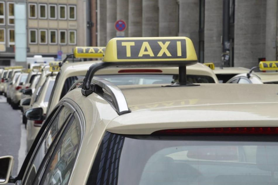 In Ludwigshafen versuchten junge Männer einen Taxi-Fahrer zu prellen - blöd nur, dass sie ihm schon ihre Adresse genannt hatten (Symbolbild).