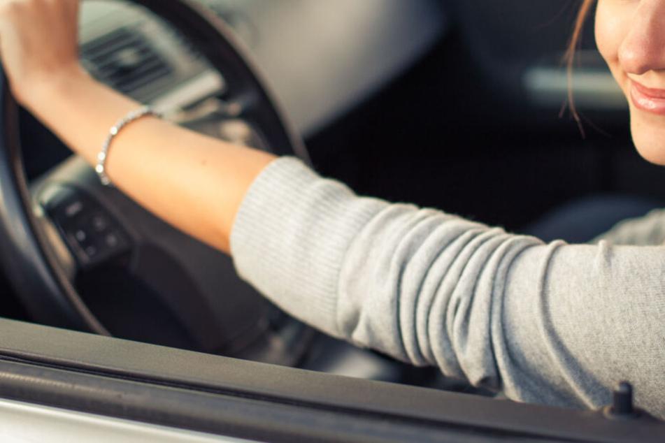 Frau wird wegen Trunkenheits-Fahrt zur Polizei beordert: Was sie danach macht, ist kaum zu fassen