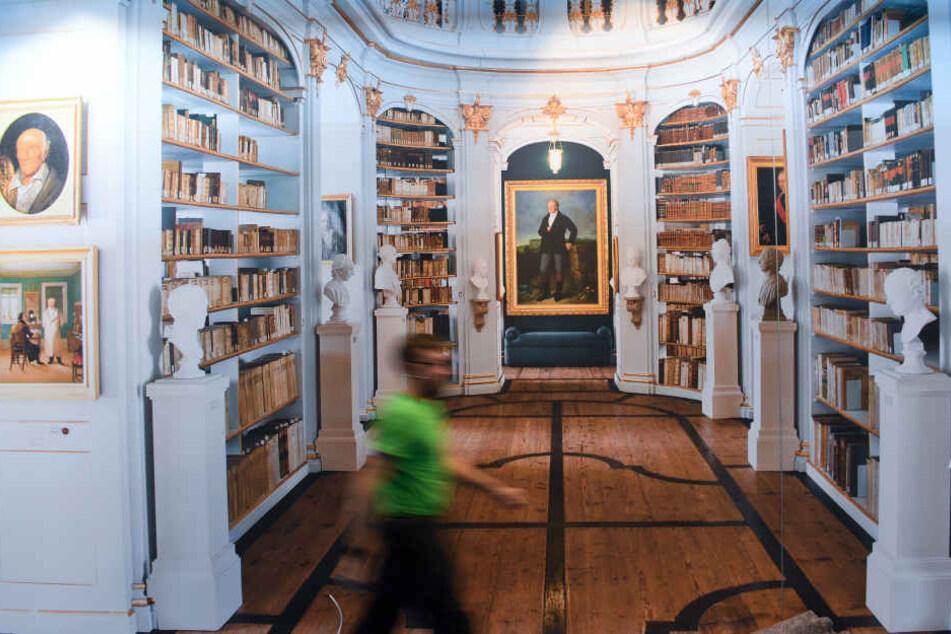 An den ersten drei Tagen ist die Frankfurter Buchmesse jedoch nur für Fachbesucher zugänglich.