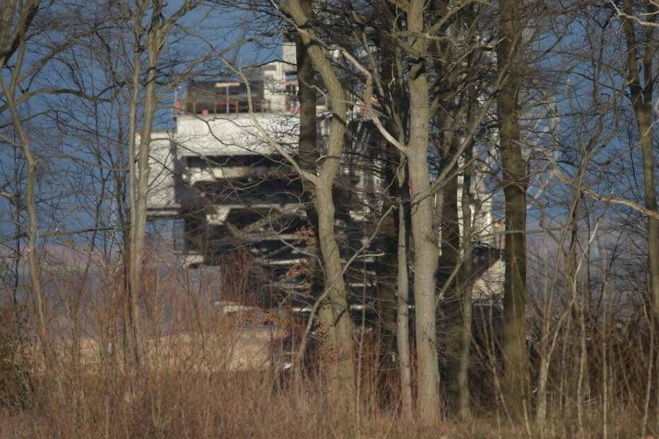 Hambacher Forst: RWE-Bagger in der Nähe, Aktivisten misstrauisch
