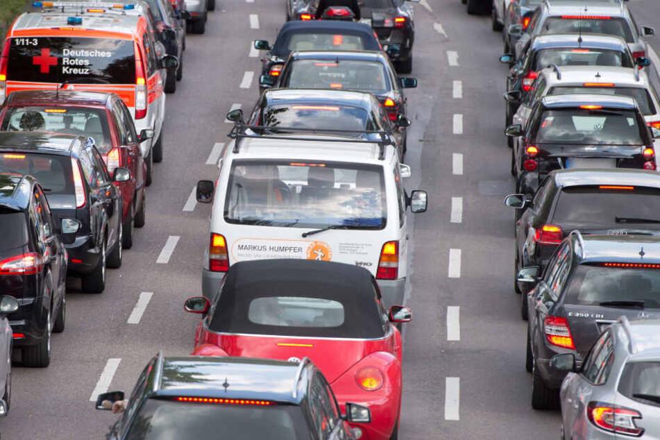"""Stehen im Stau künftig keine Autofahrer mehr, sondern nur noch die """"Autofahrenden""""?"""