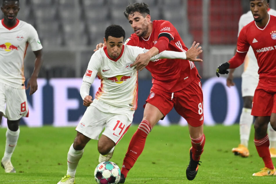 Wird Javi Martínez (32) dem FC Bayern München länger fehlen?