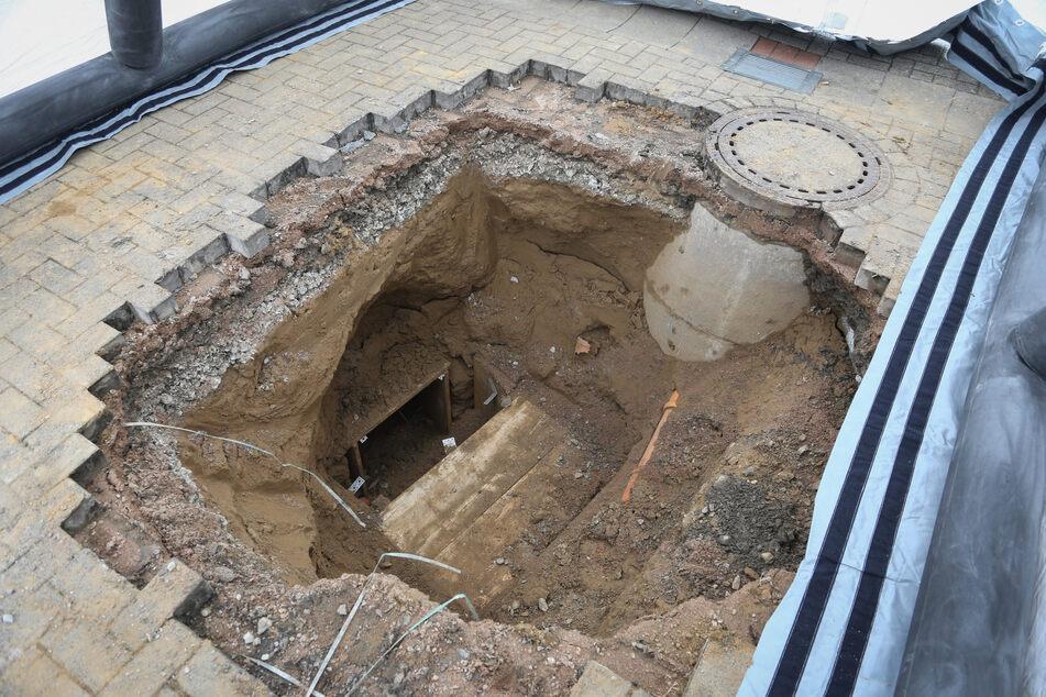 Der Tunnel war knapp acht Meter lang und verlief etwa zwei Meter unter dem Erdboden.