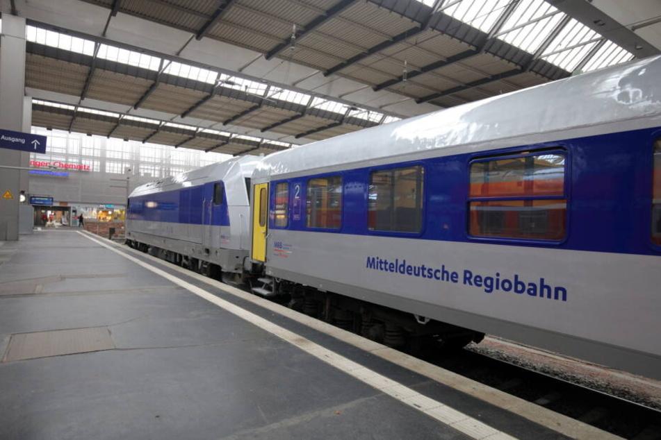 Außen sind die Züge neu lackiert.