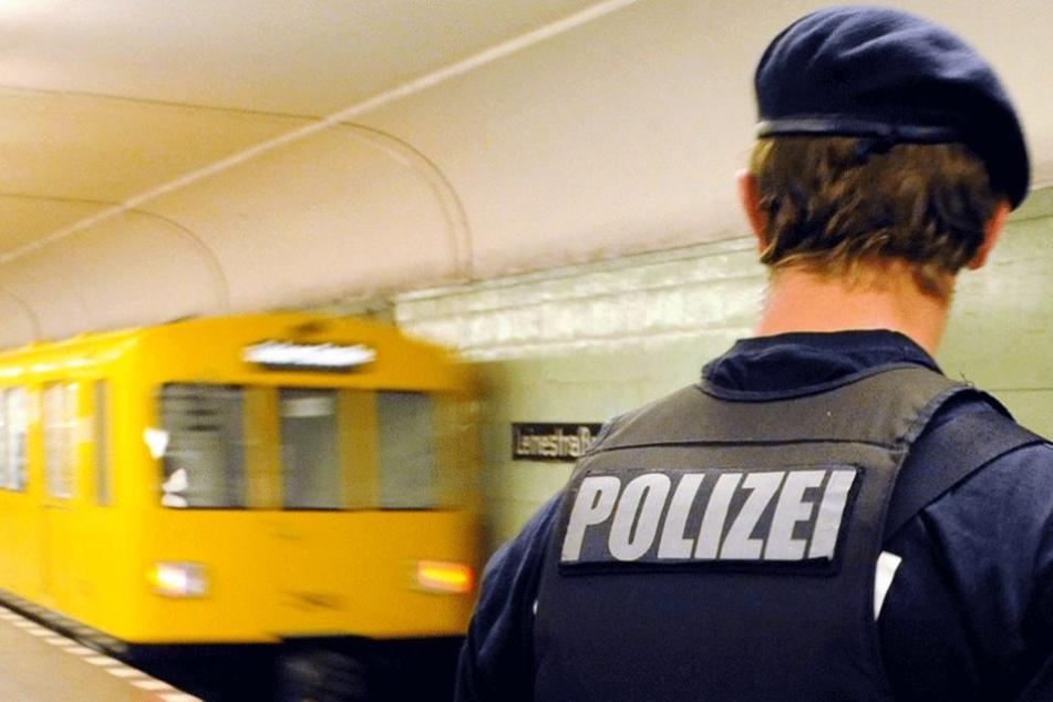 Die Polizei soll künftig deutlich mehr Präsenz an den U-Bahnhöfen zeigen.