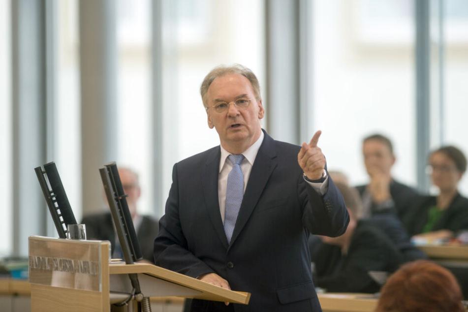 Sachsen-Anhalts Ministerpräsident Reiner Haseloff (64) hat sein Facebook-Profil deaktiviert.