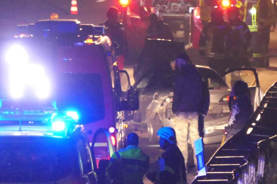 Auf der A38 ist es in der Nacht zu Freitag zu einem heftigen Crash gekommen.