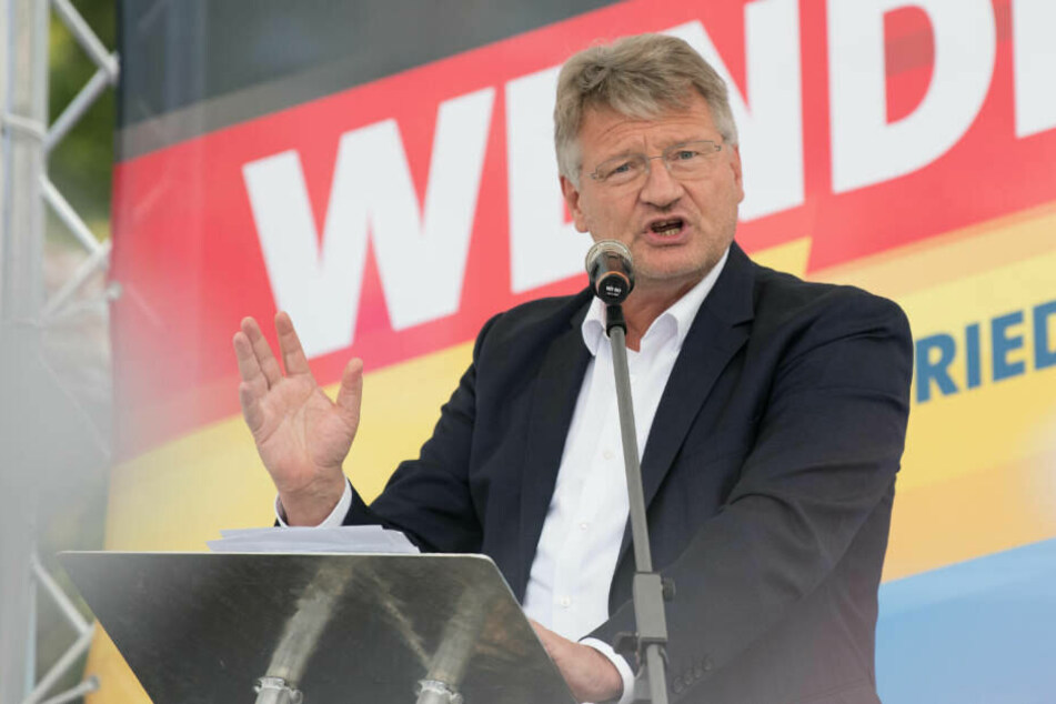 AfD-Chef Jörg Meuthen griff Restle nach dessen Kommentar scharf an.