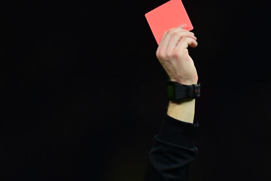 Rote Karte für den Hamburger Fußballverein Adil e.V.?