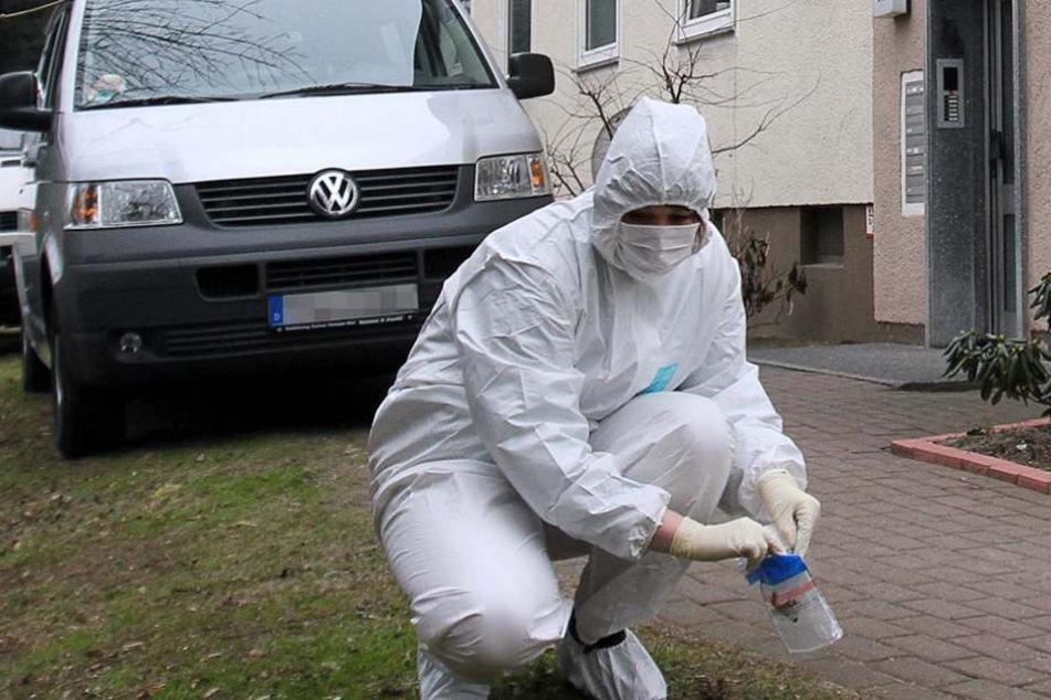 Niedersachsen: Frau stirbt auf Straße - Fahnder vermuten Gewaltverbrechen