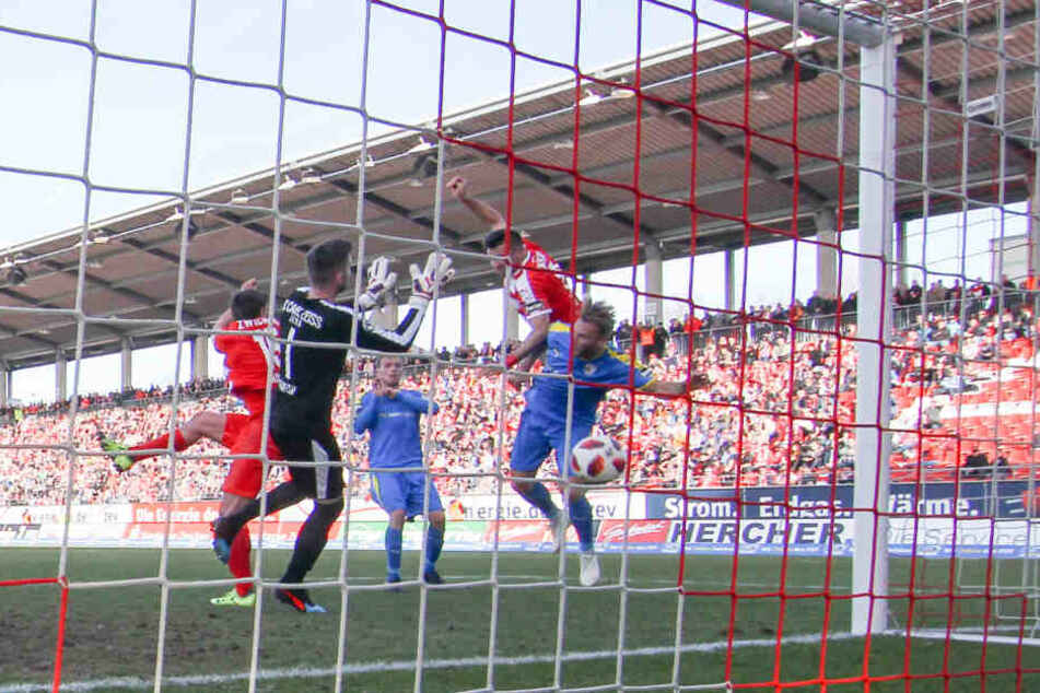 Der FSV Zwickau holte sich in dem Derby gegen den FC Carl Zeiss Jena den ersten Rückrundensieg und drei ganz wichtige Punkte.