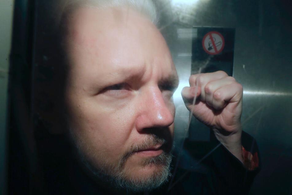 Julian Assange, Mitbegründer der Enthüllungsplattform WikiLeaks, steht seit dem 24. februar 2020 vor Gericht.