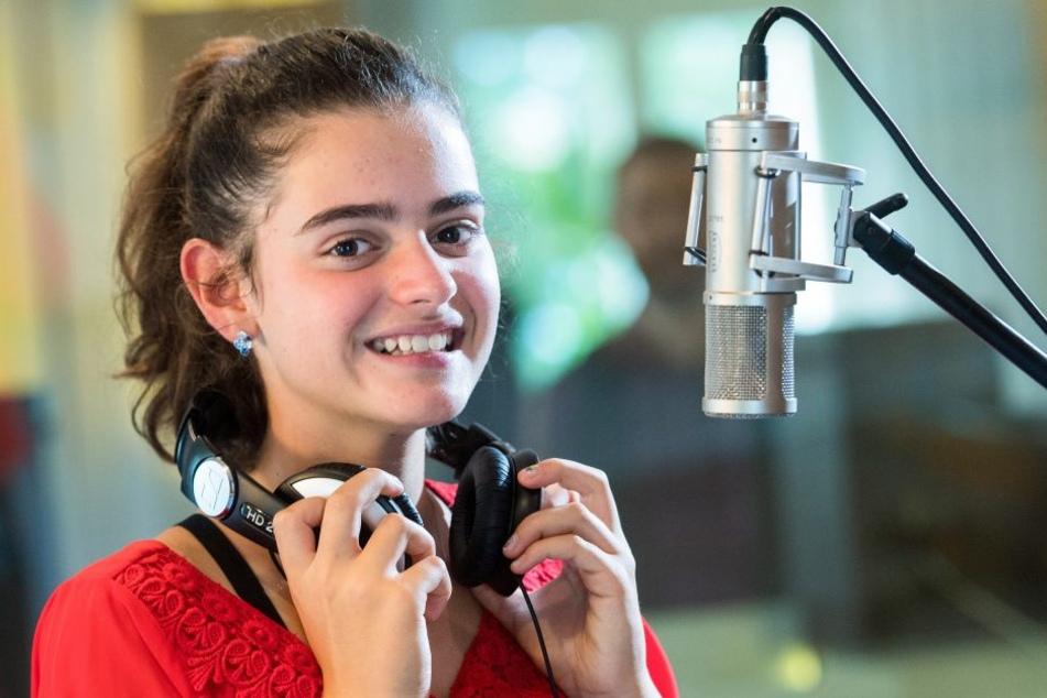"""Sissi (13) bei Aufnahmen im Studio: Mit Hallelujah"""" hat sie einen Welthit eingesungen."""