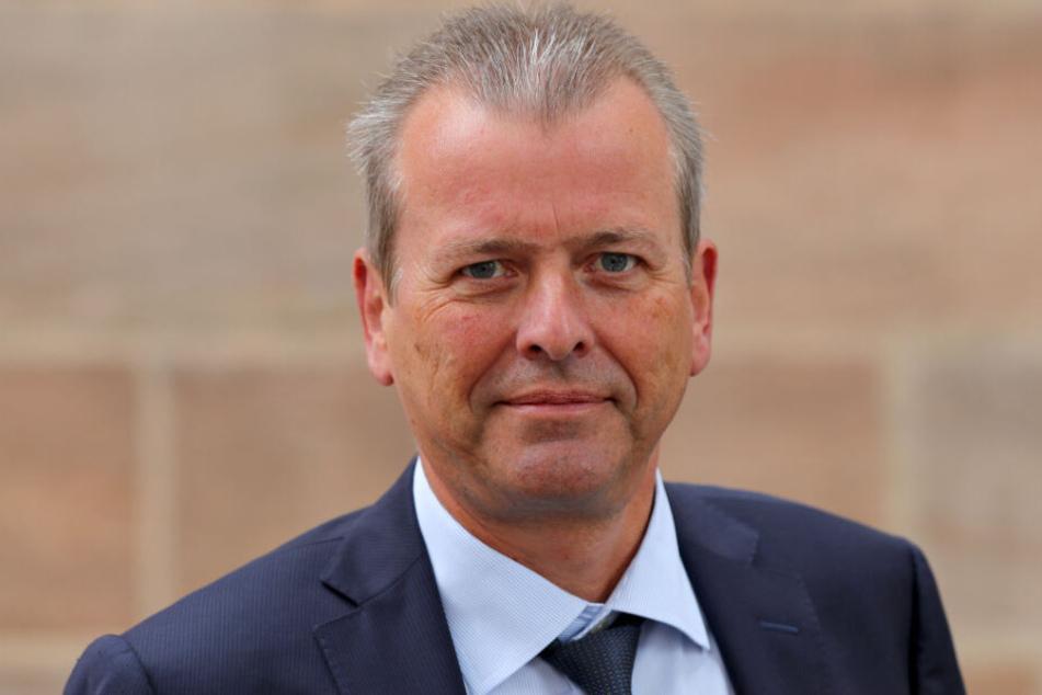 SPD-Politiker Ulrich Maly hat erhebliche Zweifel am 365-Euro-Jahresticket geäußert.