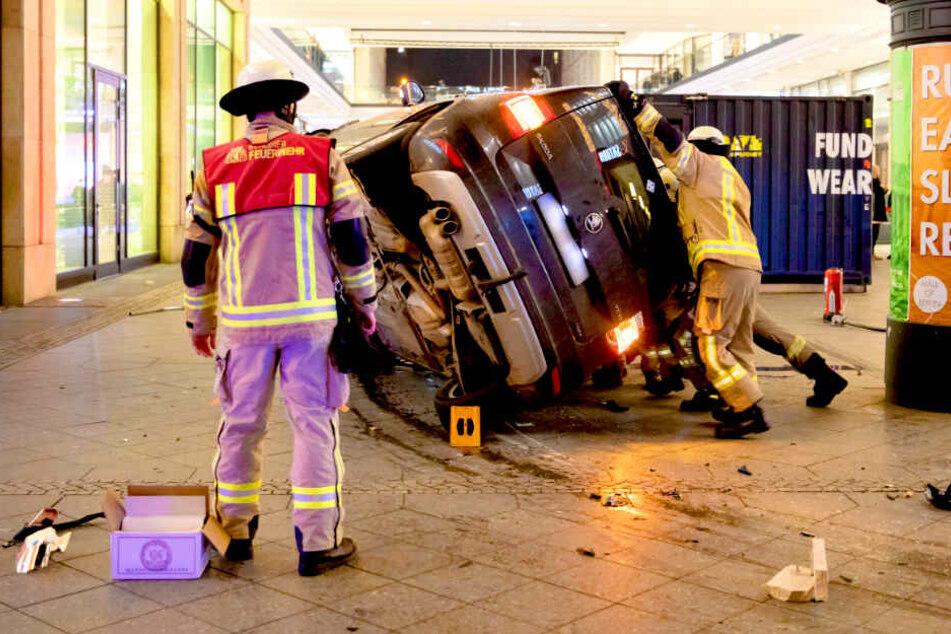 SUV kracht in Mall of Berlin: Neue Details zum Horror-Crash!