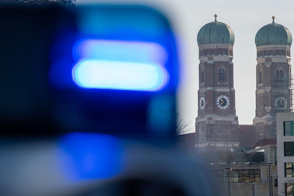 Die Münchner Polizei sucht im Zusammenhang mit den Vorfällen Zeugen. (Symbolbild)