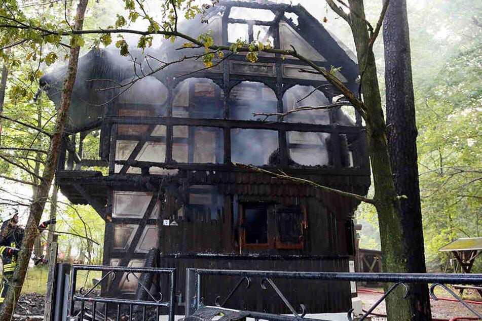 2013 brannte die komplette Herrenhaider Naturschutzstation ab.