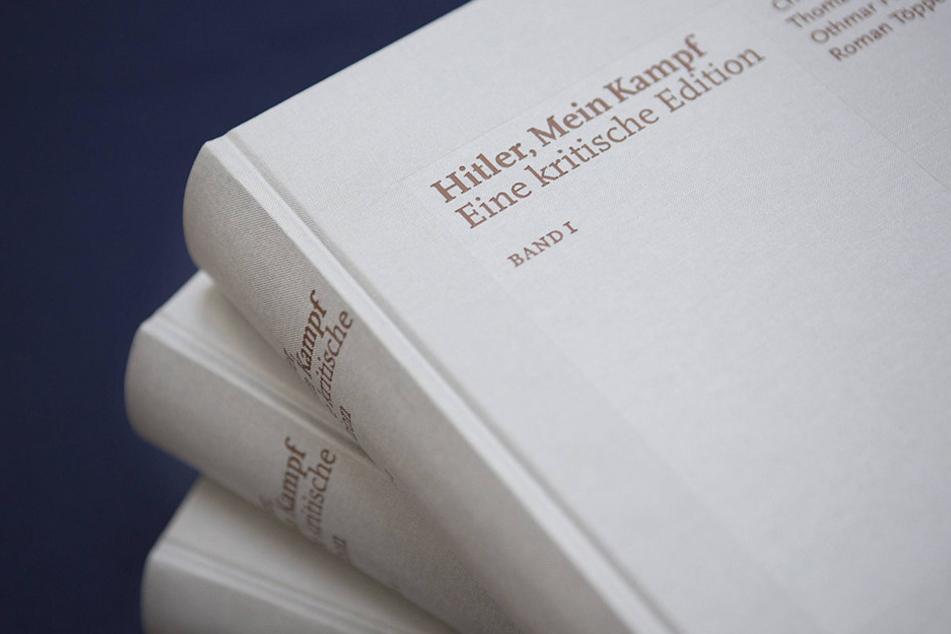 """Das Landgericht in Arnsberg muss nun entscheiden, ob der Gefangene """"Mein Kampf"""" lesen darf."""
