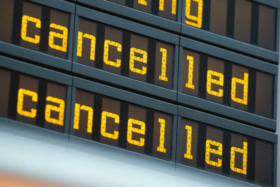 Klimagerechtigkeit jetzt! Umweltschützer wollen Berliner Flughafen blockieren