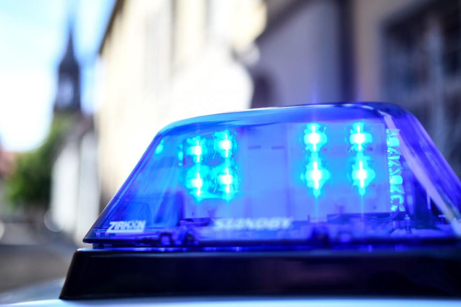 Die Polizei konnte den Angreifer aufspüren und festnehmen (Symbolbild).
