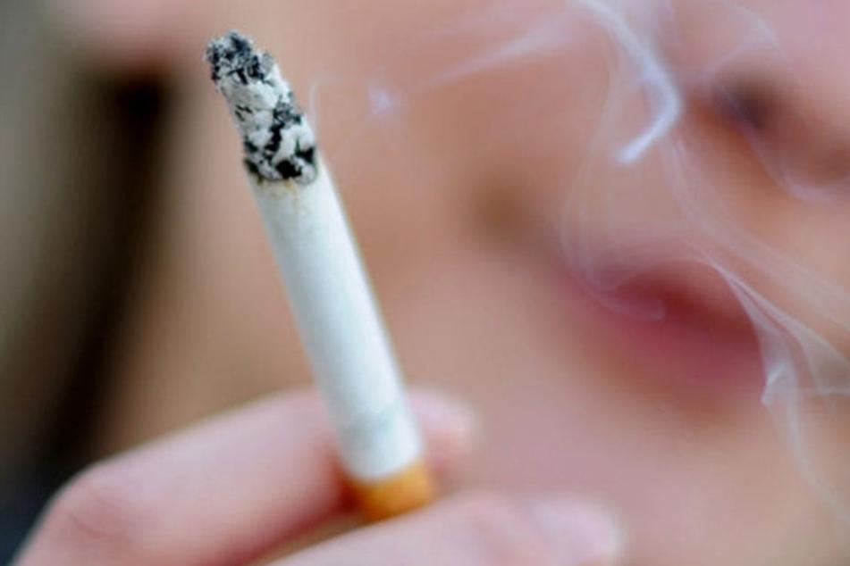 Ein Zug an einer vermeintlichen Zigarette wurde so manchen zum Verhängnis. (Symbolbild)