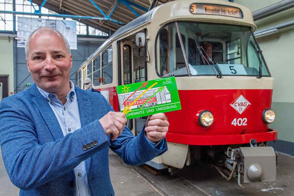 Ein Jahr verbrachten Sammlungsleiter Thomas Laube (49) und die Straßenbahnfreunde Chemnitz mit der Aufbereitung der Sonderausstellung.